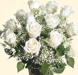 Classic 12 White Roses Bouquet