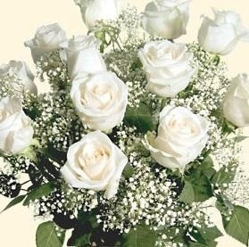 Remarkable Roses Bouquet (White)